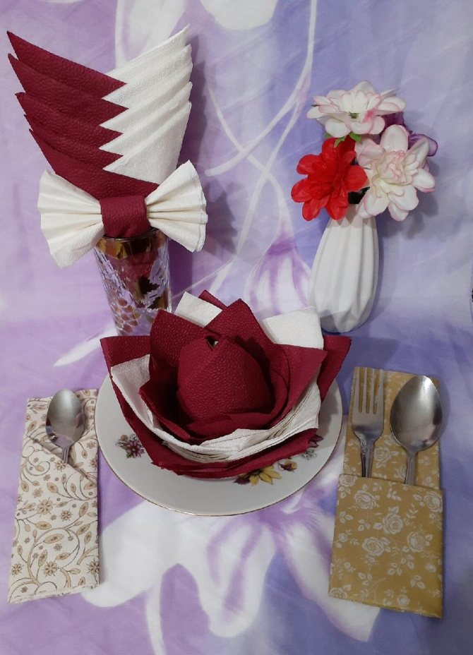 Как красиво сложить салфетки на стол и под приборы: 16 вариантов - страница 1