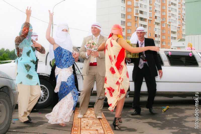Выкуп невесты (17 фото): современный вариант встречи жениха дома в стиле гаи, сказки или квеста. необычные и веселые испытания будущего мужа