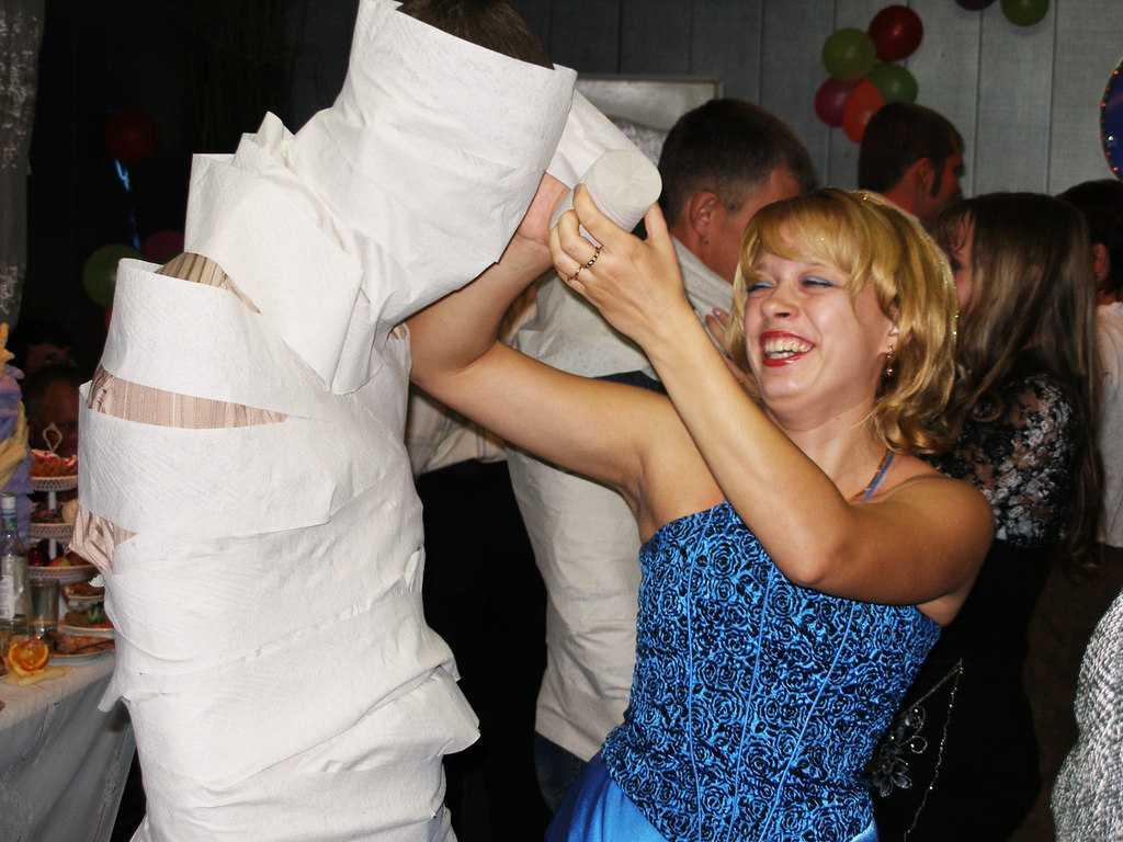 Сценарий свадьбы для небольшой компании без тамады: конкурсы и идеи