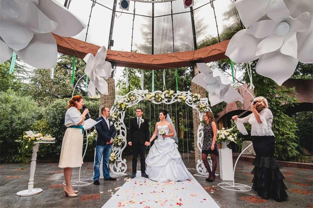 Как сделать свадьбу без тамады. современный сценарий свадьбы для тамады - новая медицина