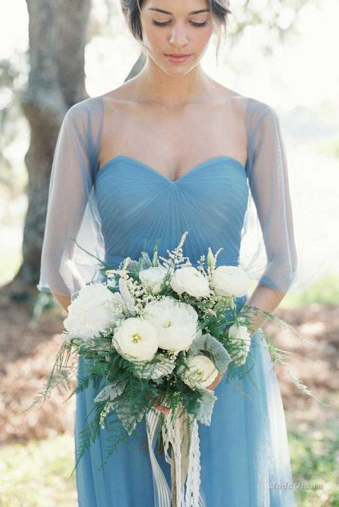 Как составить свадебный букет к синему платью невесты