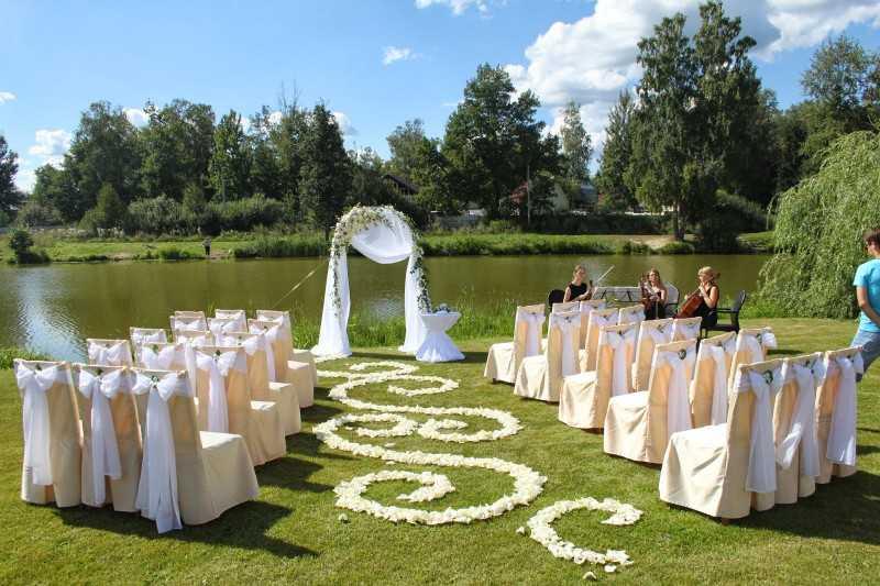 Выездная регистрация брака: цена и особенности проведения